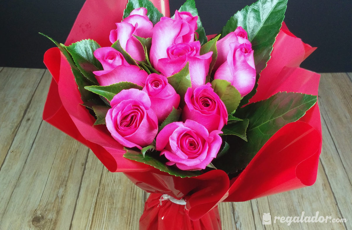 Ramo de rosas rosas en Regalador.com