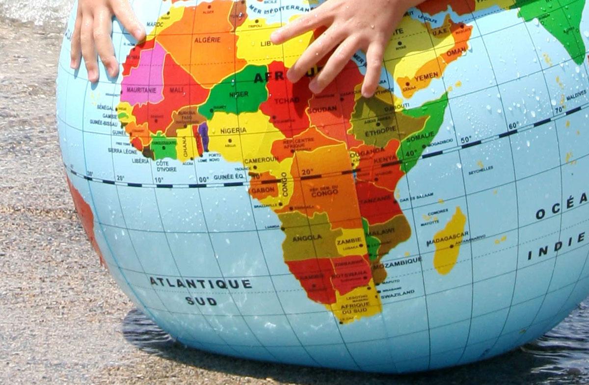 Globo del Mundo hinchable y a todo color