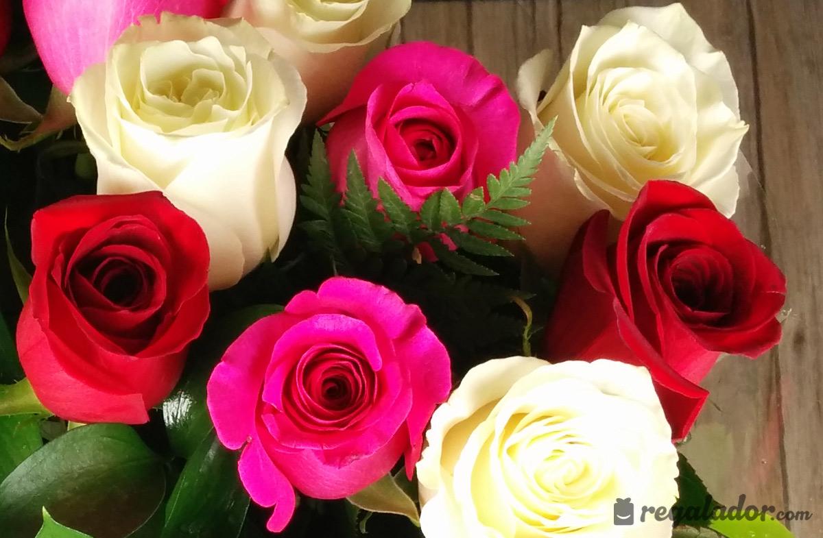 Ramo De Rosas Rojas Rosas Y Blancas En Regaladorcom