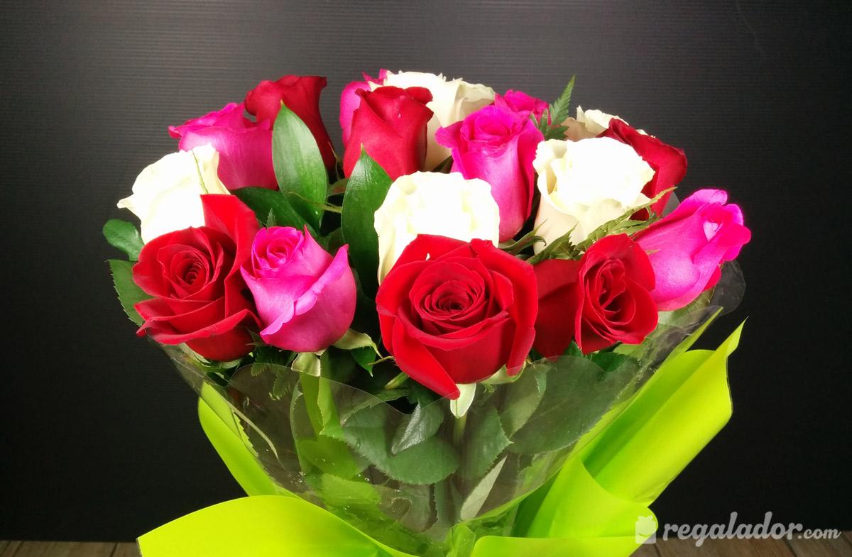 Ramo De Rosas Rojas Rosas Y Blancas En Regalador Com