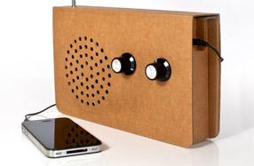 La radio de cartón reciclado