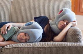 Ostrich Pillow Junior: la almohada perfecta para la siesta de los niños