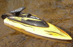 La lancha radiocontrol FIN255 Speedboot más divertida y segura