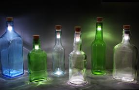 Corcho con luz para convertir las botellas en lámparas