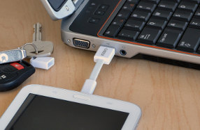 Nomad: el cable conector Micro USB para llavero de Kero
