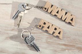 """Llaveros de madera para """"MAMÁ y PAPÁ"""""""