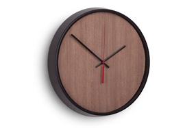 Reloj de pared de madera  y níquel