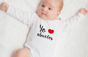 "Pack de ropita de bebé ""Yo ❤ abuelos"""