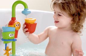 Grifo y vasitos divertidos para la bañera