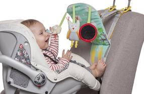 Centro de juegos de bebé para el coche