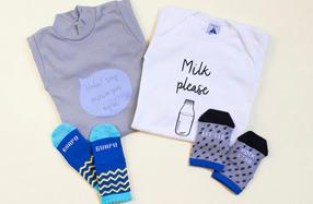 Saquitos de la cigüeña con ropa para bebés