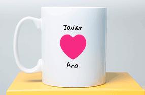 Taza personalizable con corazón