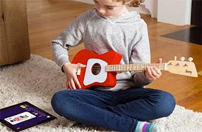 Loog, su primera guitarra eléctrica