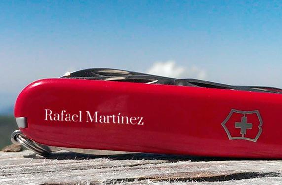 Navaja Victorinox personalizada para los aventureros