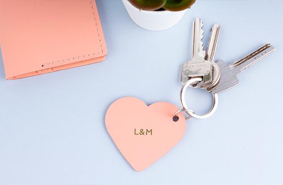 Llavero romántico de cuero personalizado