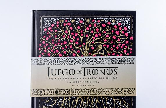 """Libro """"Juego De Tronos: Guía de poniente y El resto del mundo"""""""