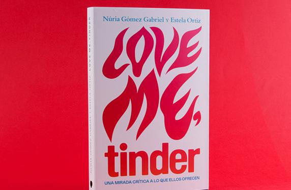 "Libro ""Love me, tinder"""