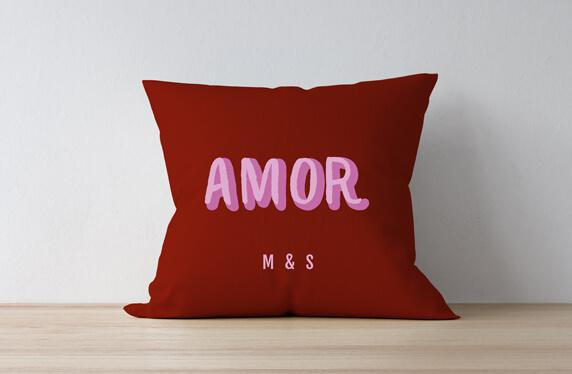 Cojín personalizado modelo amor