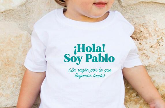 "Camiseta personalizada niño. Modelo ""Llegamos tarde"""