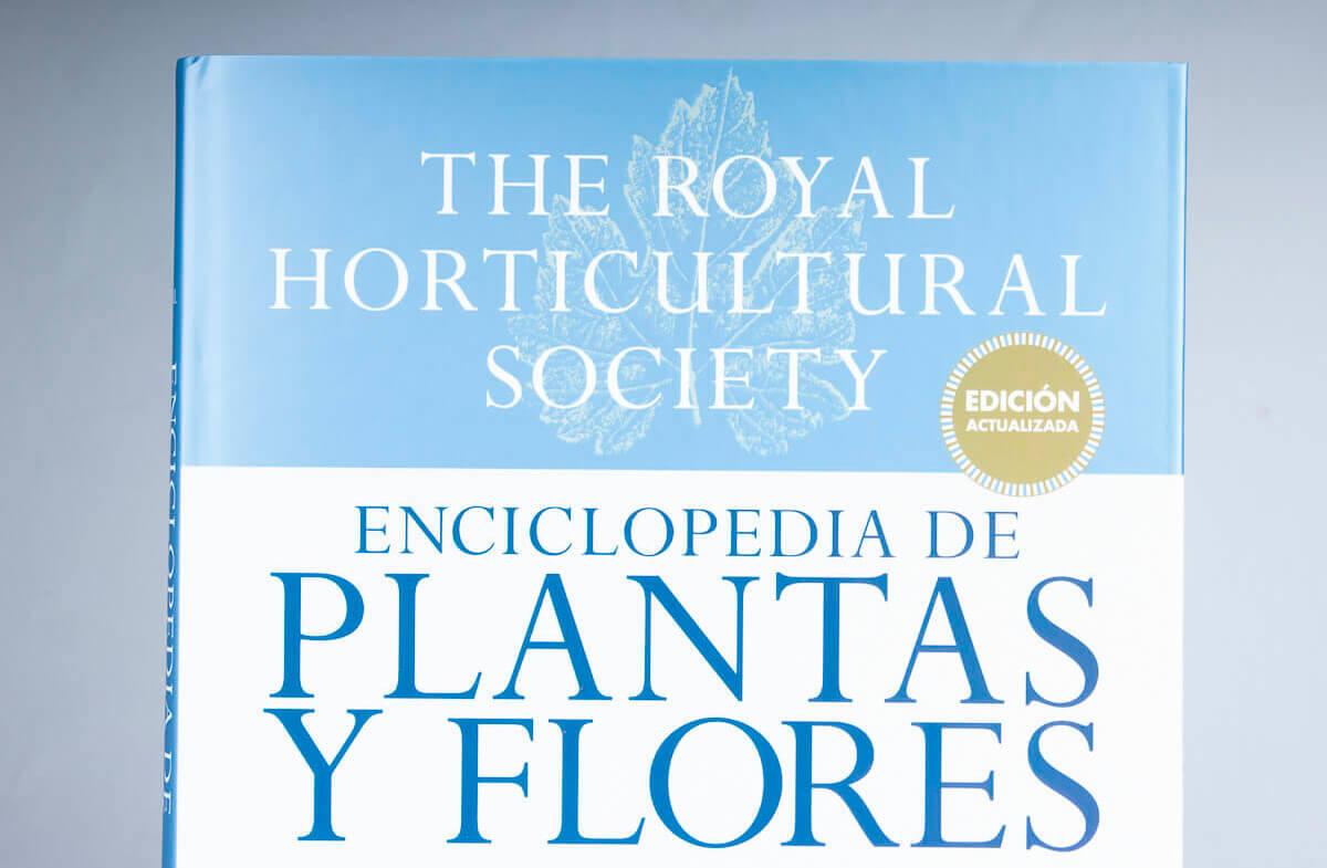 La enciclopedia definitiva de plantas y flores