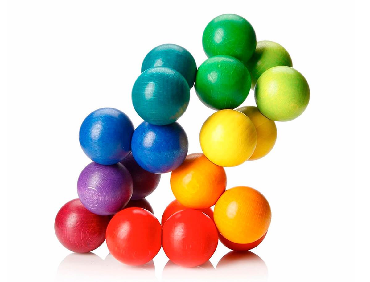 Juego artístico de bolas de madera