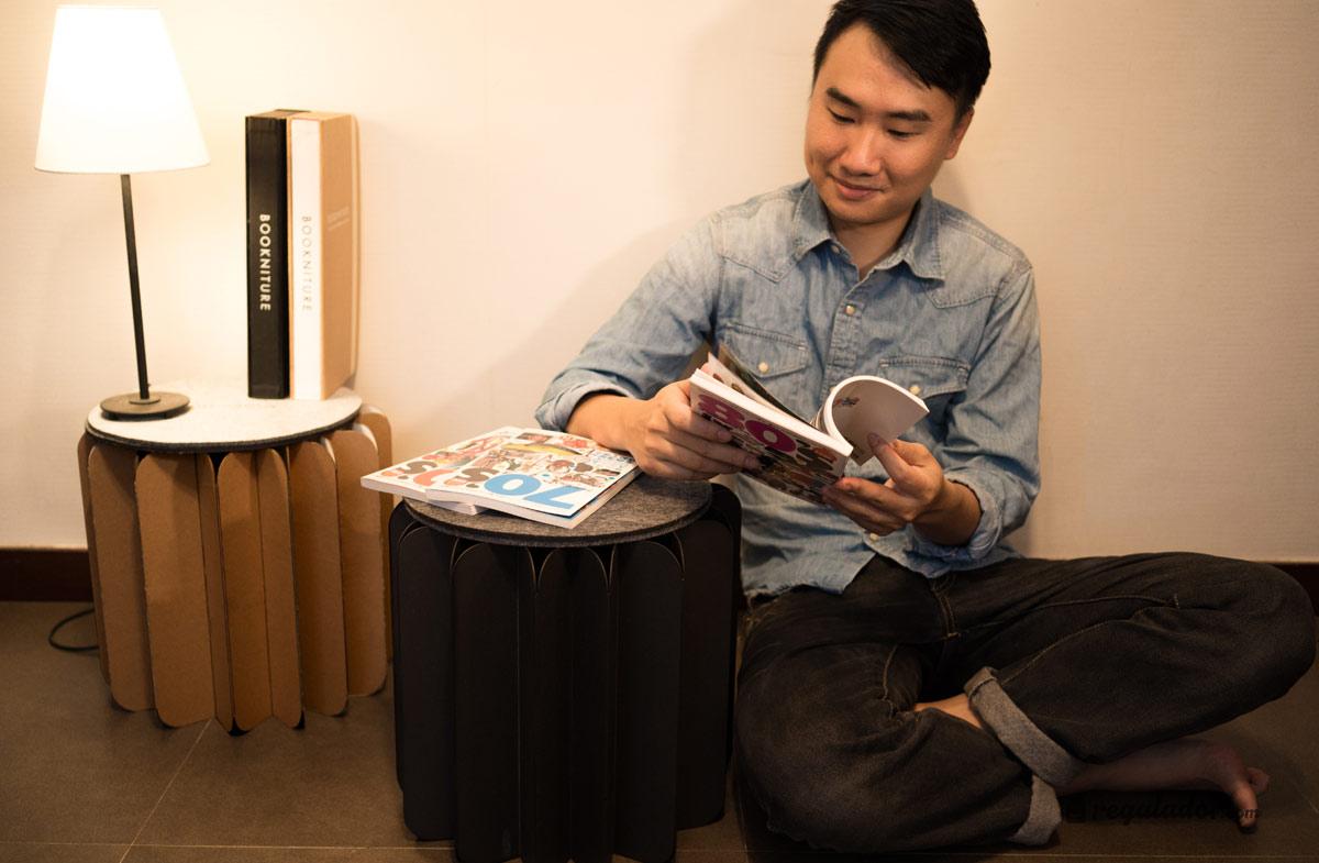 Regalador bookniture el mueble que se convierte en for Mueble que se convierte en mesa