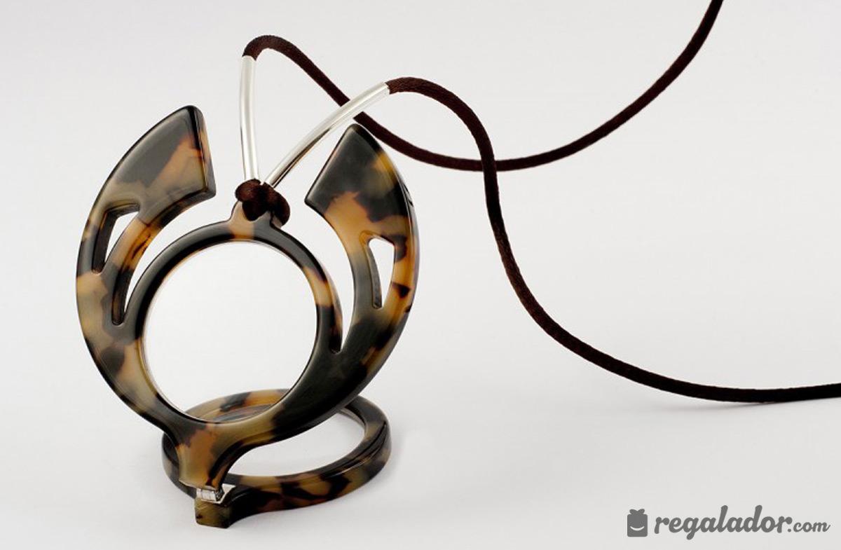 Las gafas colgante con más glamour