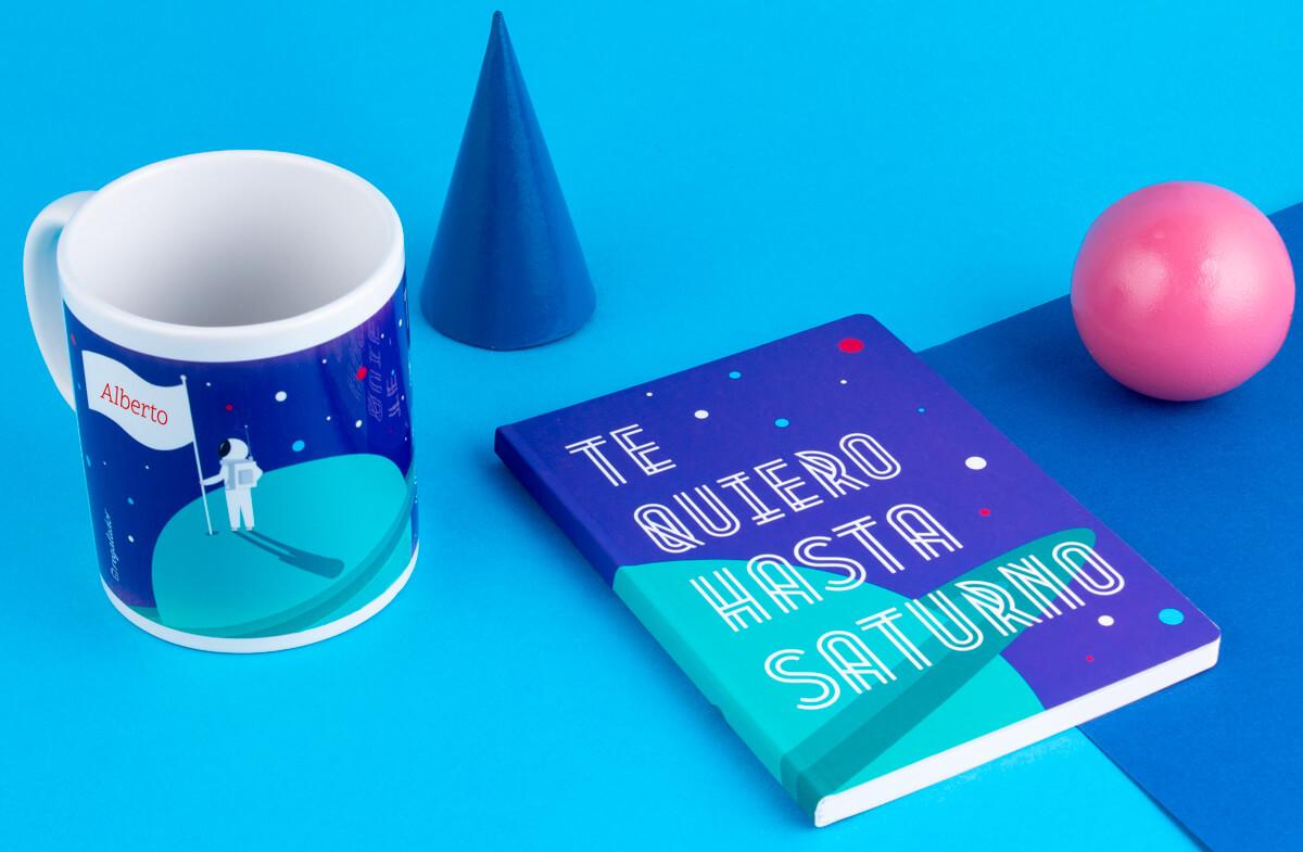 """Kit de taza y libreta """"Te quiero hasta Saturno"""" personalizado"""