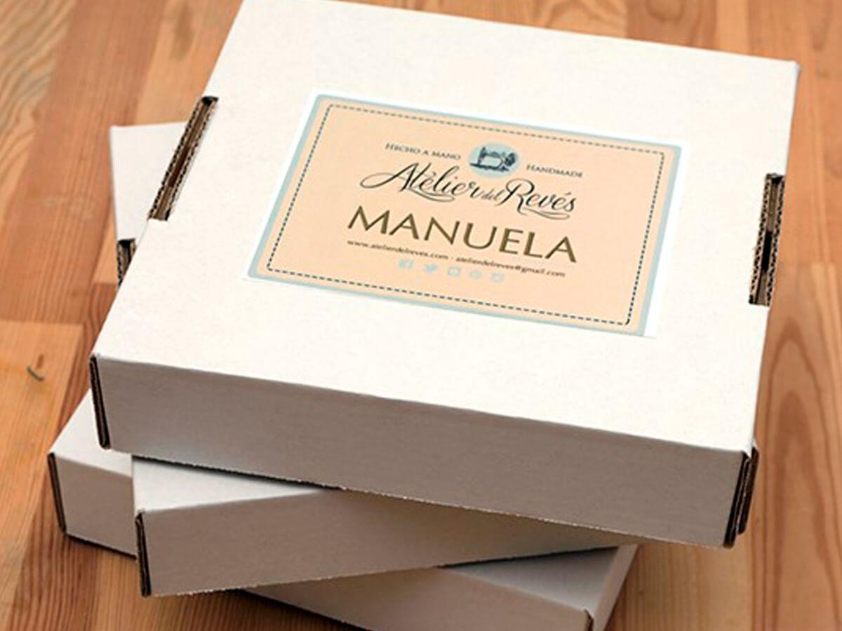 «Manuelas»: el pañuelo reversible más original