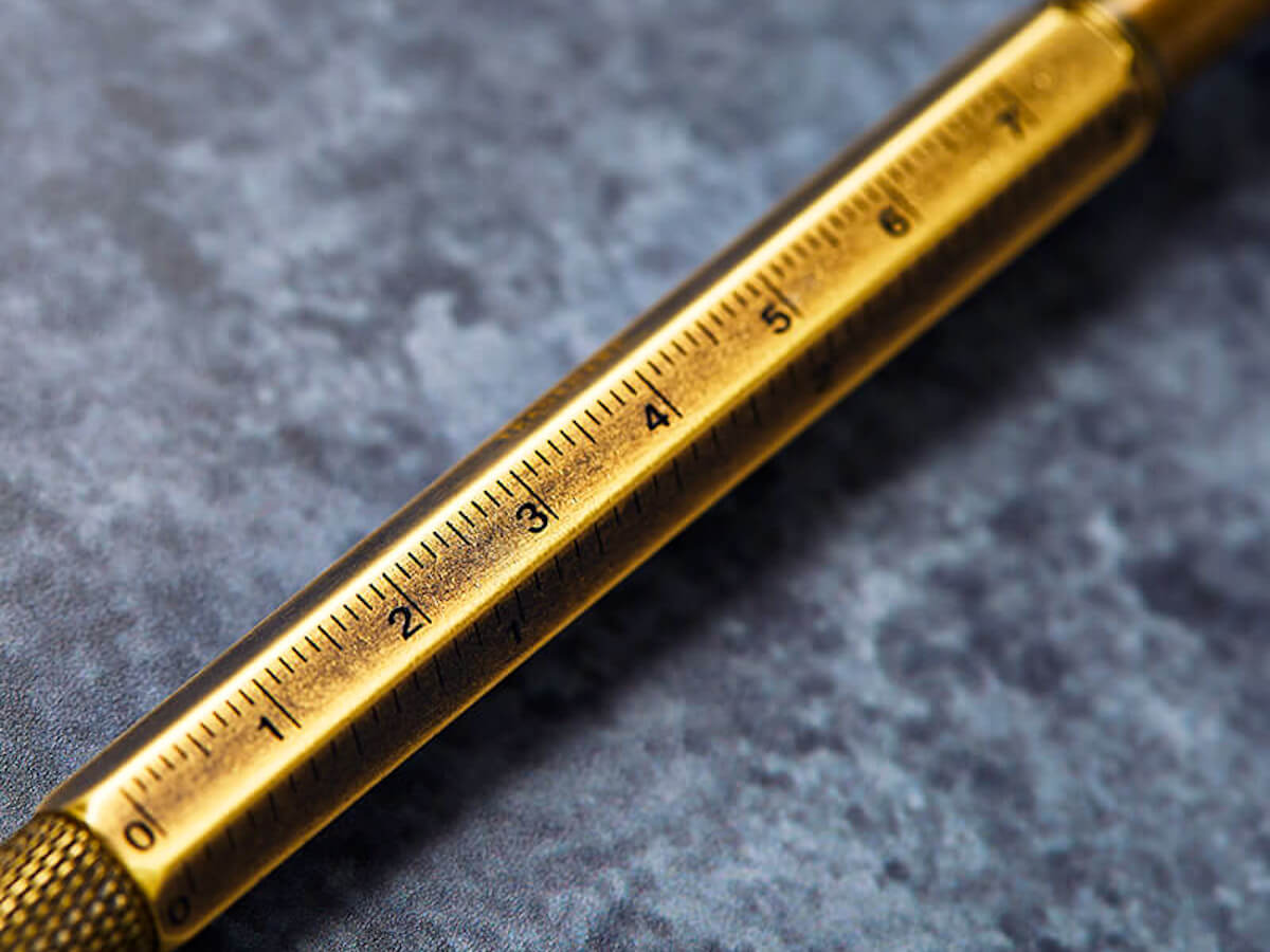 El bolígrafo multiusos 6 en 1