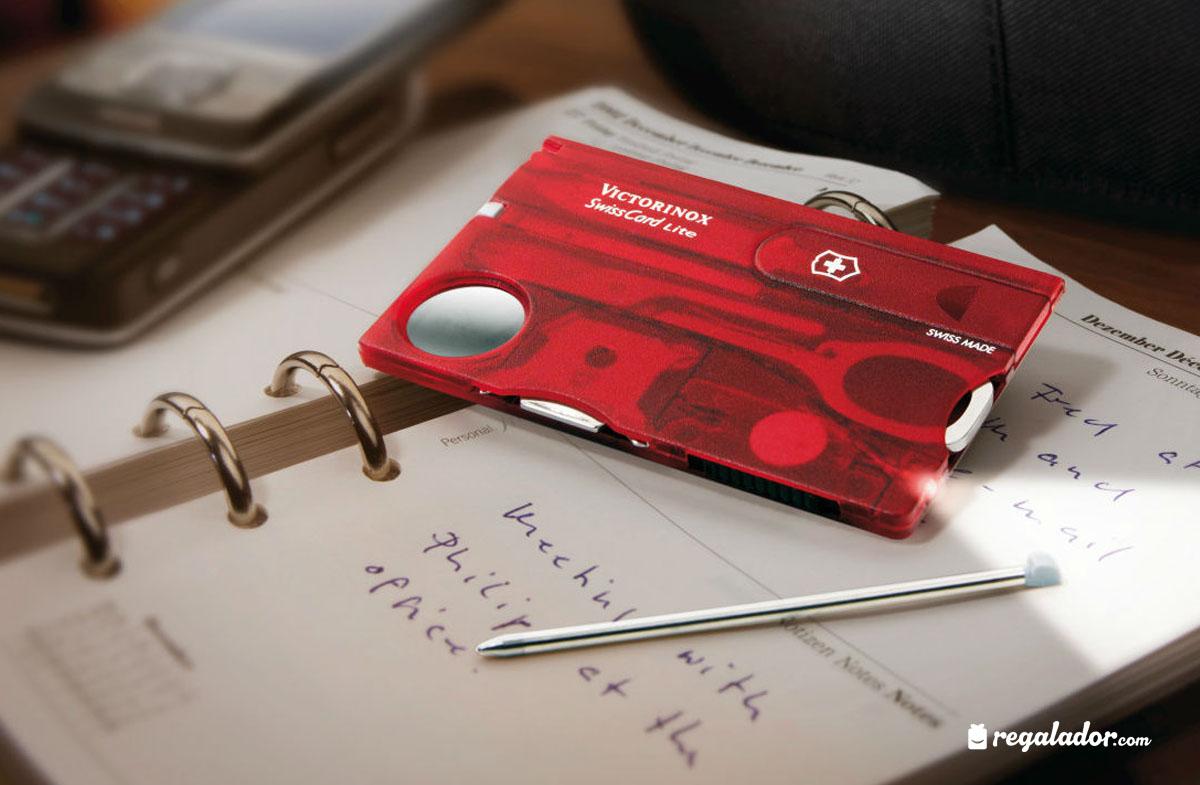 Victorinox Swisscard: navaja en forma de tarjeta de crédito