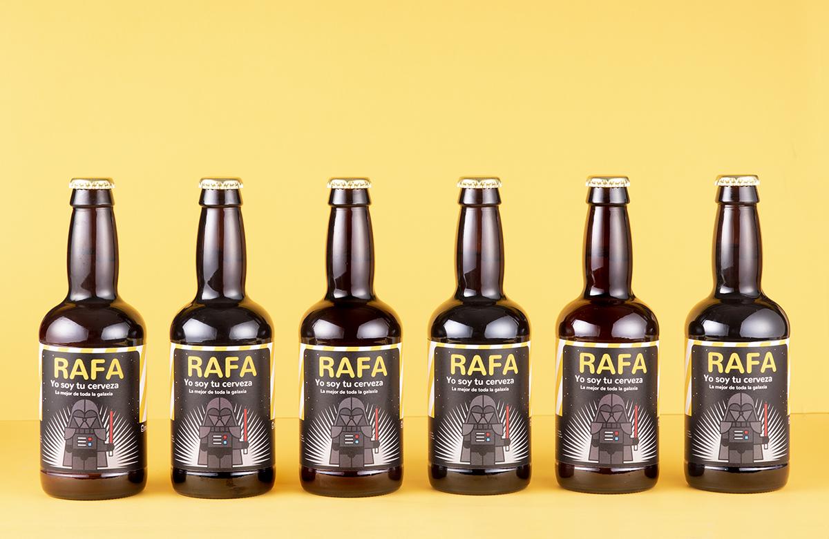 Pack de cerveza personalizada. Modelo Friki