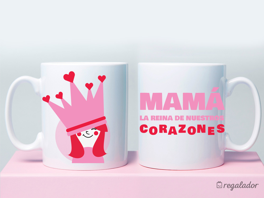 """Taza """"Mamá, eres la reina de nuestros corazones"""" en Regalador.com"""