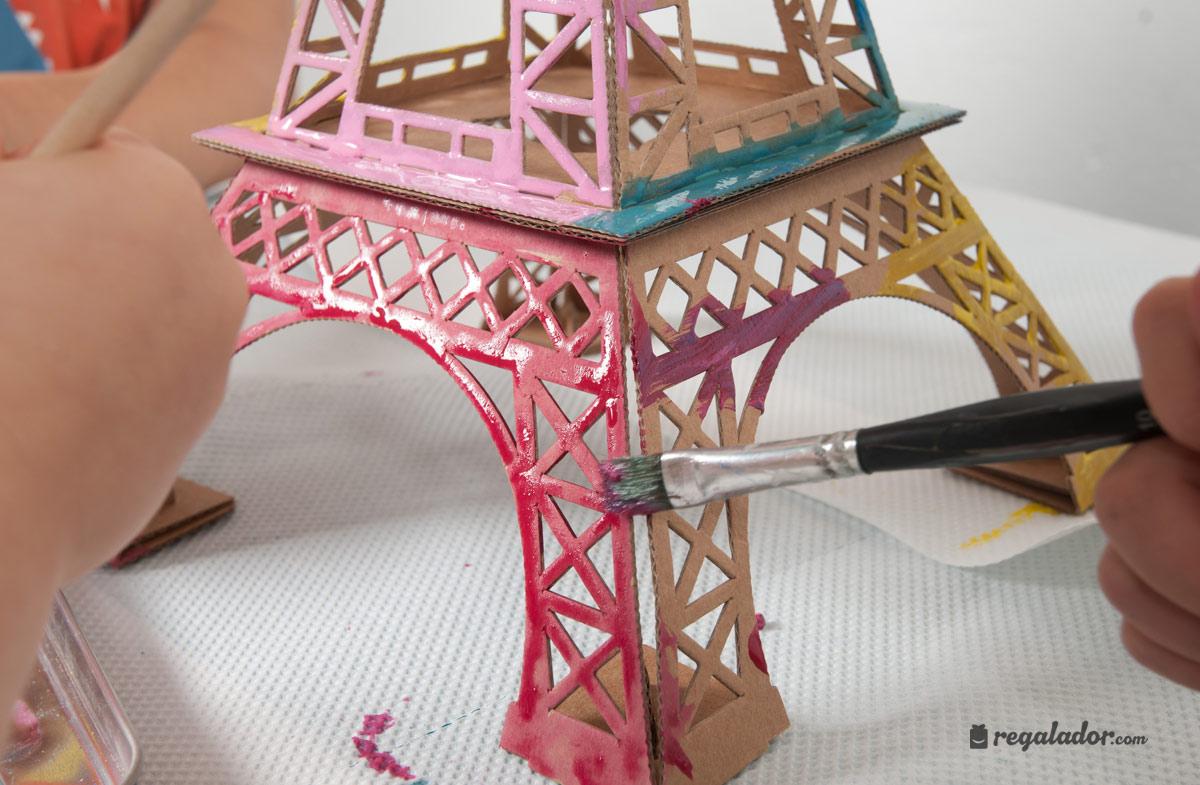 Regalador juguetes creativos de cart n leolandia torre for Cuartos decorados de la torre eiffel